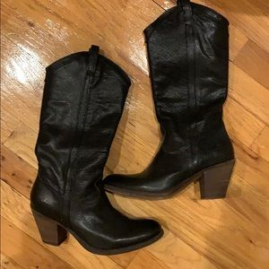 Frye Carson mid boots